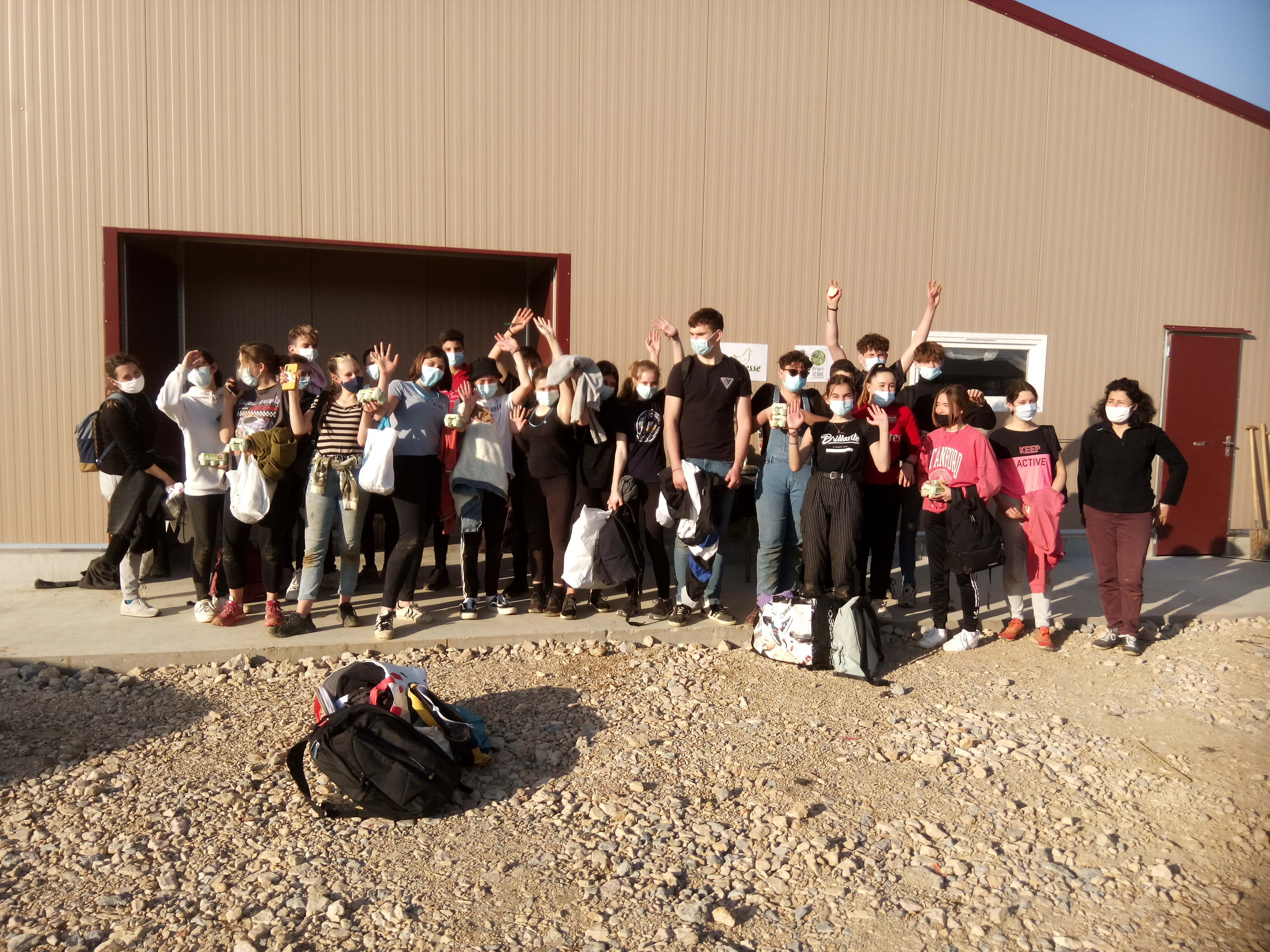 Chantier participatif dans la cadre d'un projet agroforestier